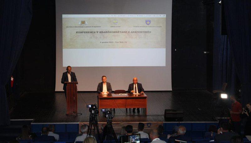 Konferenca e V Mbarëkombëtare e Arkivistikë bën bashkë