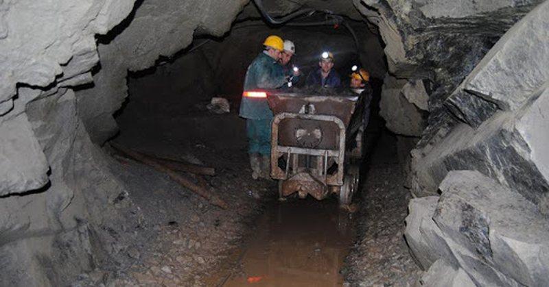 Zbardhet lista, ja 135 naftëtarët, minatorët dhe metalurgët