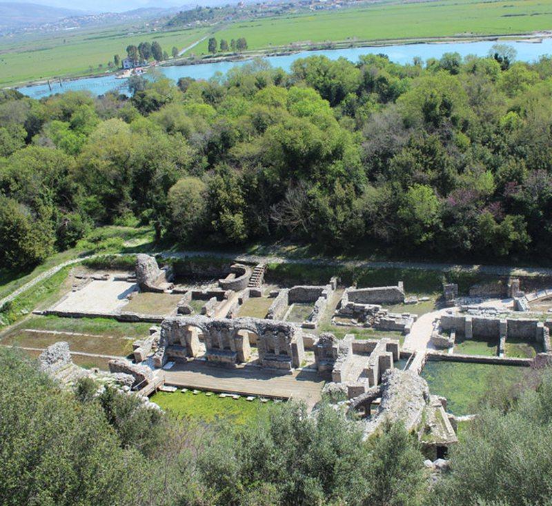 """Butrint, përfundon restaurimi i """"Portës me Kulla"""""""