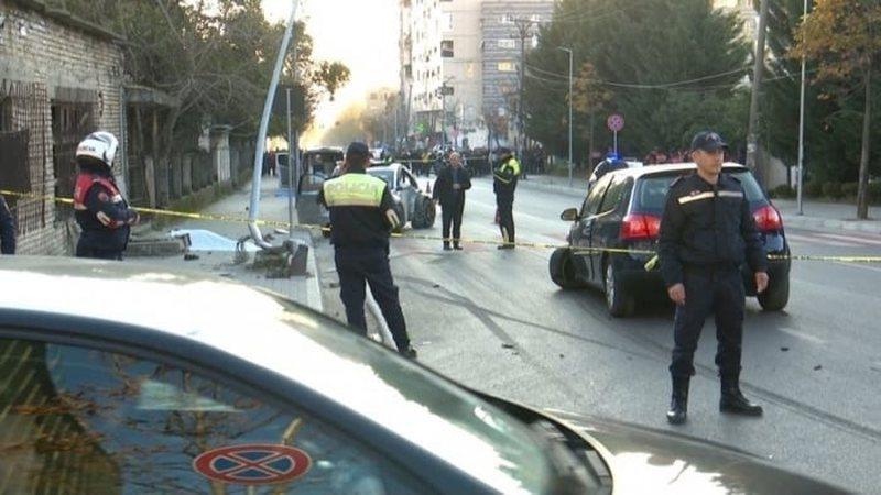 Aksident i rëndë në Tiranë, automjeti përplas një