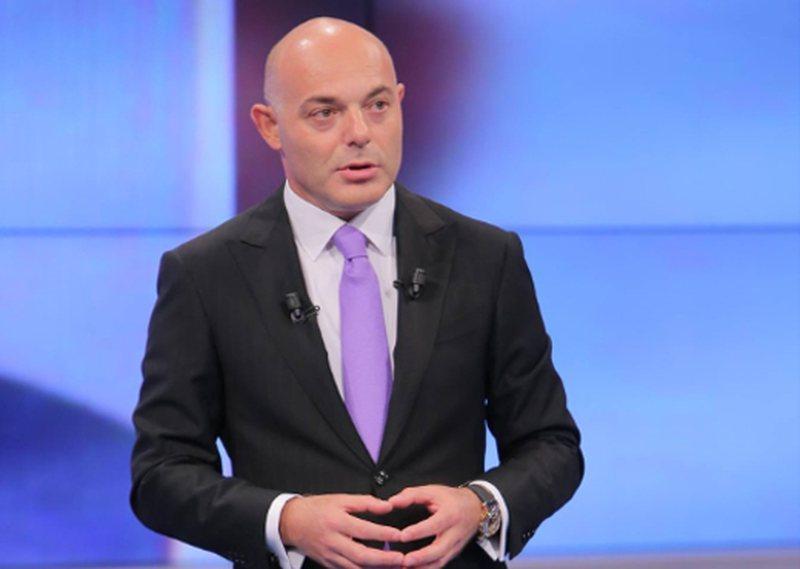 Blendi Fevziu fton në emision 4 kandidatët në garë për