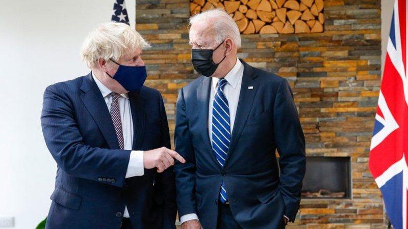 Pas takimit kokë më kokë me Joe Biden, Boris Johnson del me
