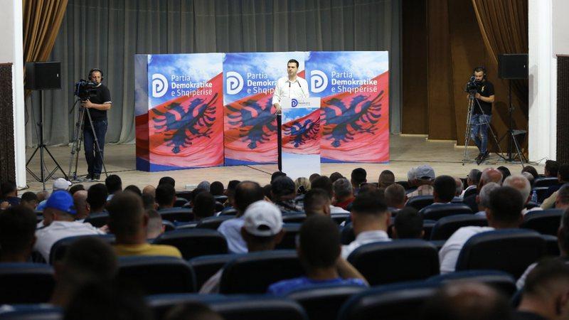 Gara për kreun e PD-së, Lulzim Basha sulmon kundërshtarët