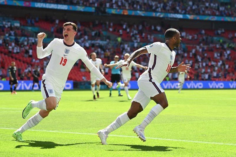 Anglia e nis me fitore Europianin, shihni golin e Sterling që fundosi