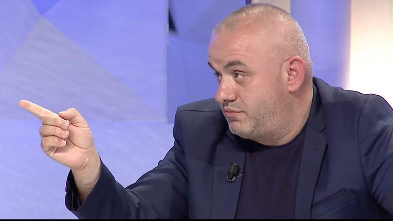 """""""Lexoni qytetarin dixhital nesër"""", Artan Hoxha"""