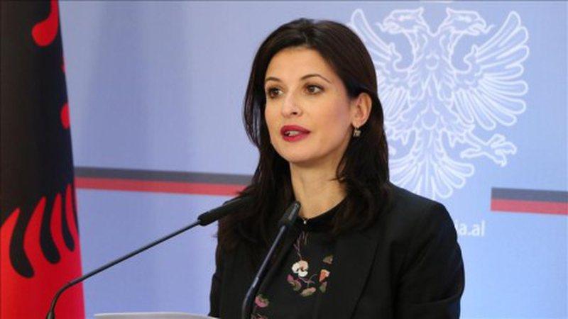 SHBA fundosi familjen 'Berisha' / Reagon për herë të