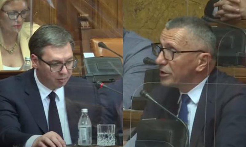 Deputeti shqiptar përplaset me Vuçiç në parlament:
