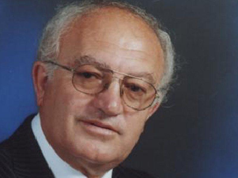Portreti poetik i Petrit Rukës