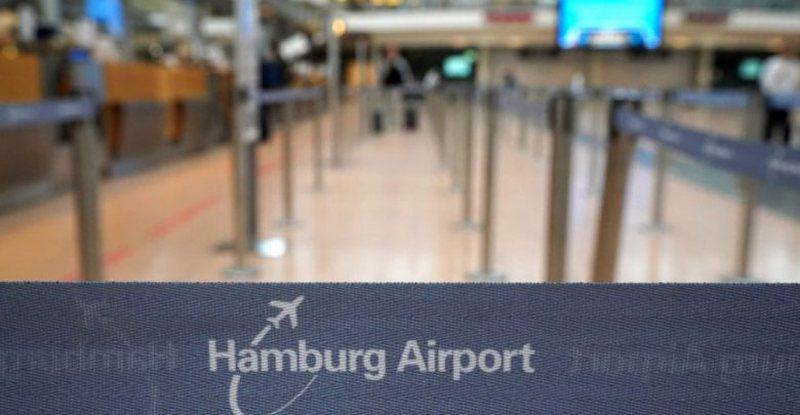 Shqiptarët ngrënë në këmbë aeroportin e Hamburgut