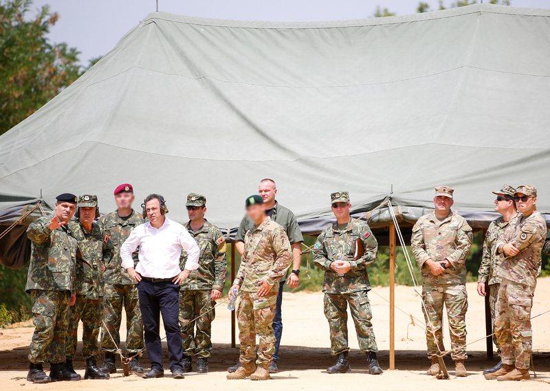 Trupat amerikane nuk largohen, SHBA mesazh të fortë rusëve se do