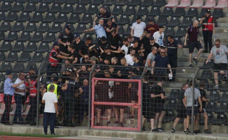 """Incident në """"Elbasan Arena"""", plas keq mes policëve dhe"""