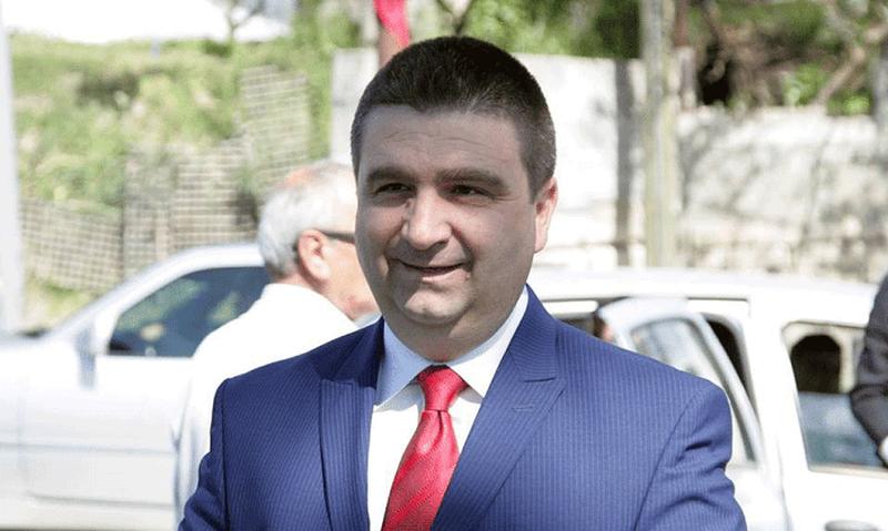 """""""Krimi ka në dorë tenderat në Fier""""/ Armando Subashi"""