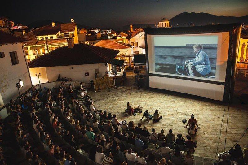 """""""DokuFest"""" ngre siparin në Tiranë, me filma të"""