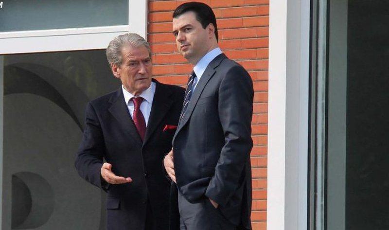 Pas mesazheve 'pikante' të ambasadores Kim, Sali Berisha