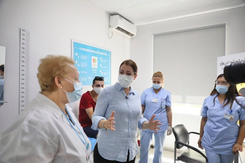 Muaji i vaksinimit masiv, Manastirliu thirrje qytetarëve: Fokusi te mosha
