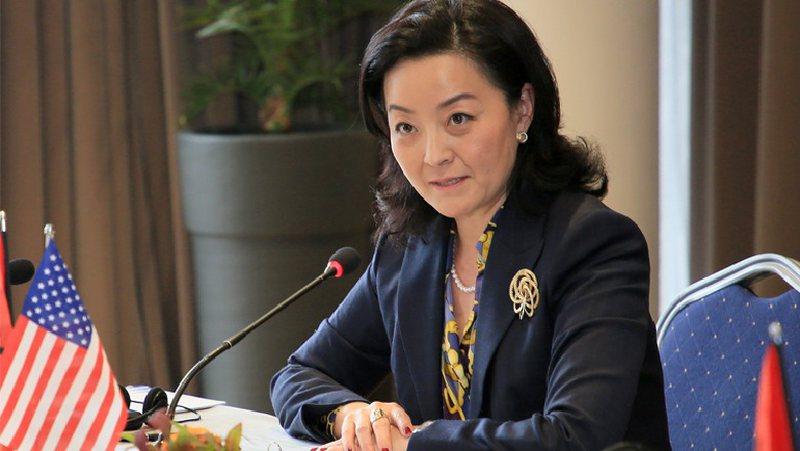 Ambasadorja Yuri Kim bën lëvizjen e radhës, takon kreun e SPAK