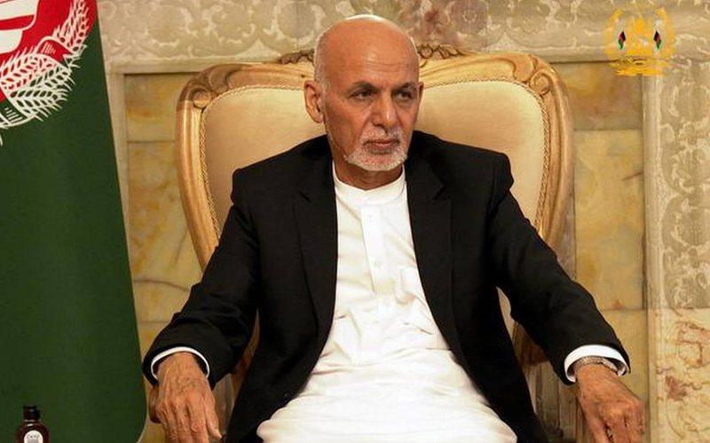 Ku shkuan 169 mln dollarë?/ Rishfaqet presidenti afgan pasi u arratis me