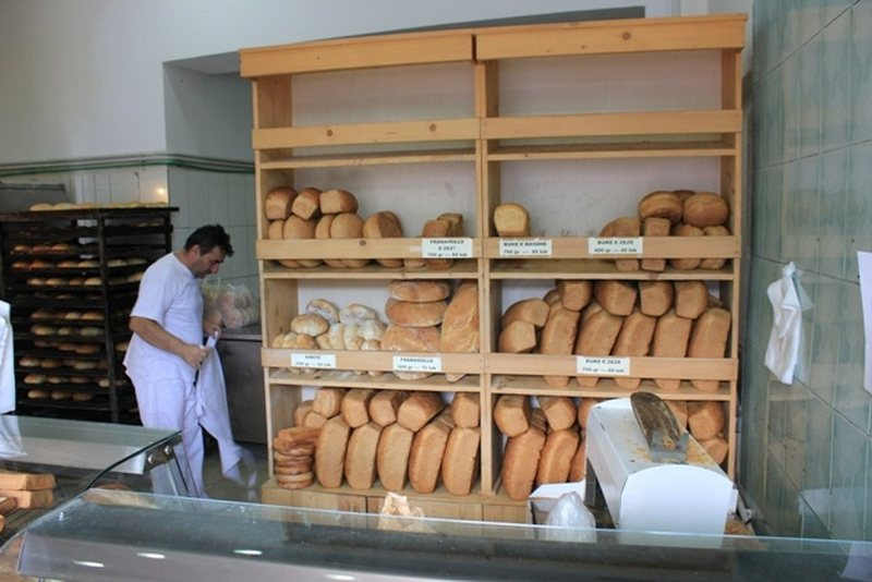 Bread price rises, Competition Authority suspects alliance by flour companies,