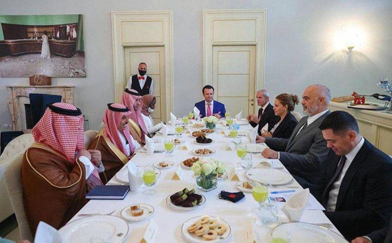 Mediat arabe i kushtojnë një artikull takimit të Ramës me
