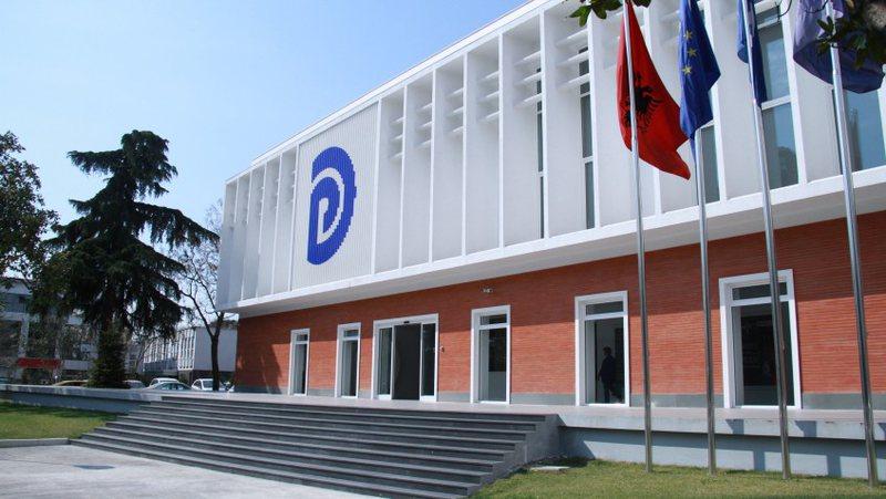 Përjashtimi i Sali Berishës dhe sulmet nga mbështetësit e