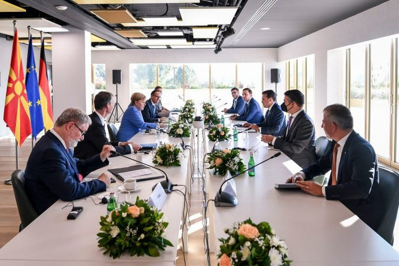 Zaev reveals details from meeting with Merkel: We need to resolve political
