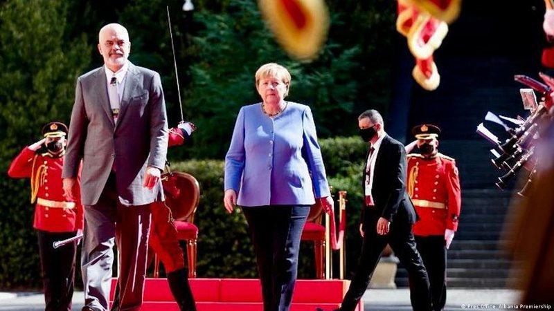 Rama-Kurti përplasen në vizitën e Merkel, kryeministri shqiptar