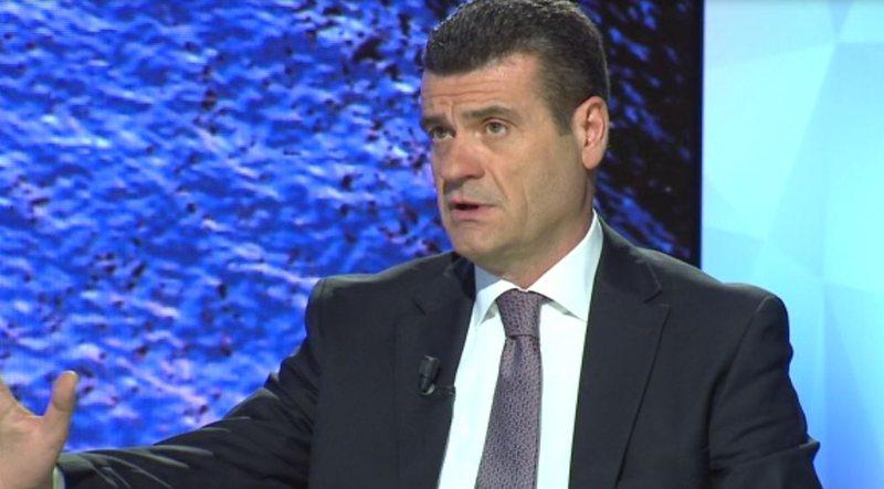 E përjashtuan nga PD, Patozi ironizon Berishën dhe Bashën: