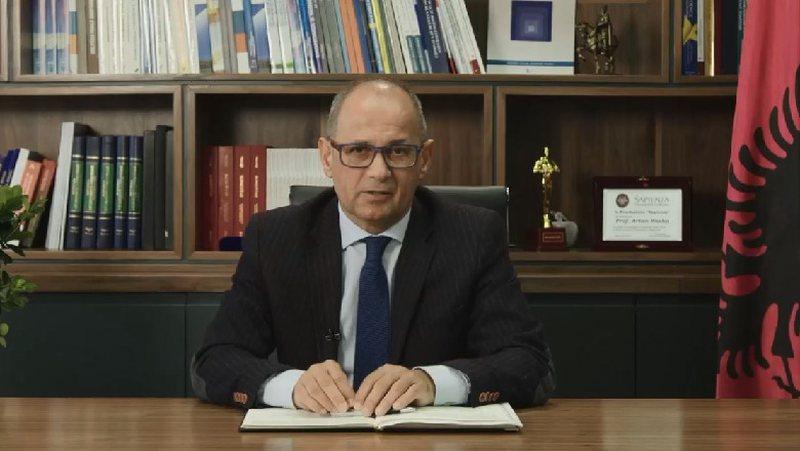 Vaksinimi i studentëve, reagon rektori i UT: Nuk kishte pse të