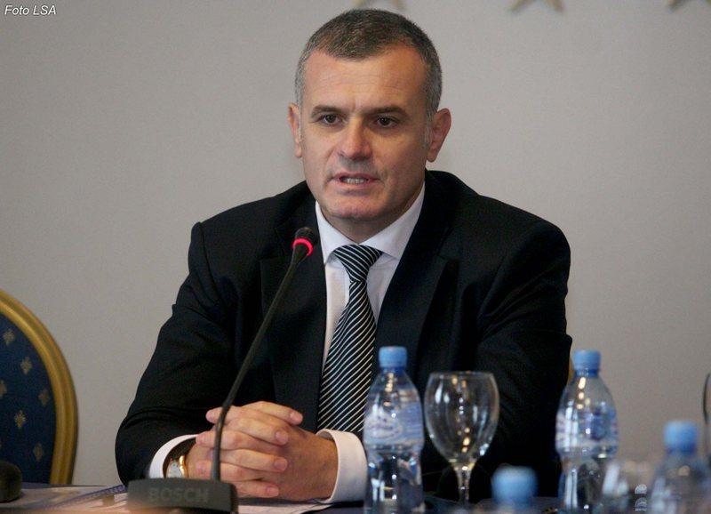 Bujar Leskaj kujton Ditën Ndërkombëtare të Demokracisë