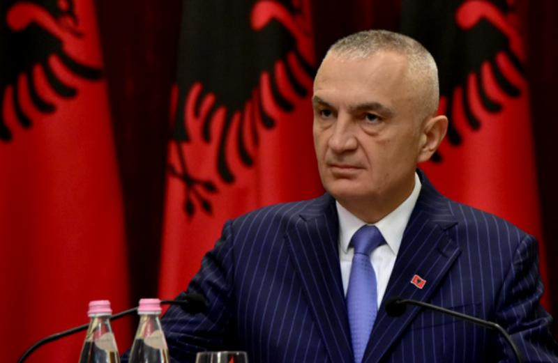 Situata e tensionuar mes Kosovës dhe Serbisë, Presidenti Meta del me