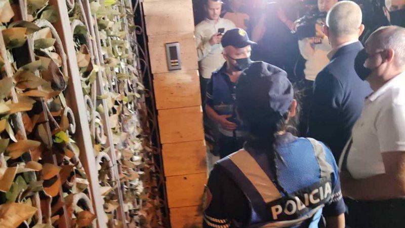 Shkuan për ta arrestuar, Policia del duarbosh nga shtëpia e Adriatik