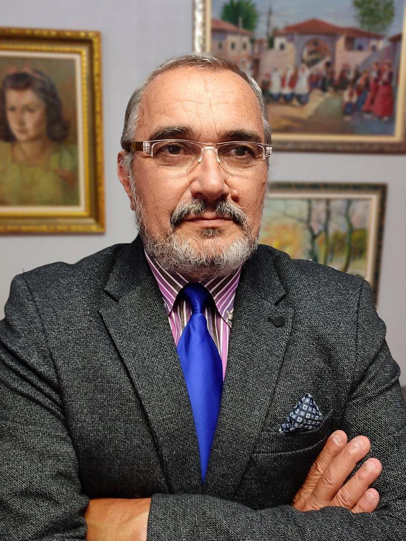 Ky është përfundimi i shqiptarit të politizuar jo protestues