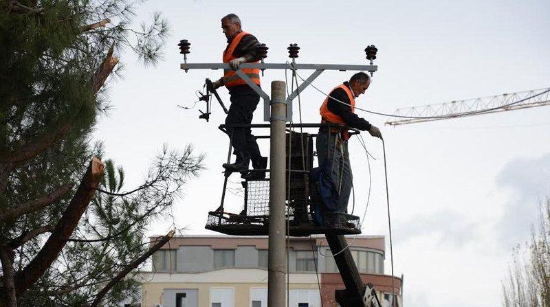 Kriza energjitike, ja si institucionet e shtetit po zhysin në kolaps