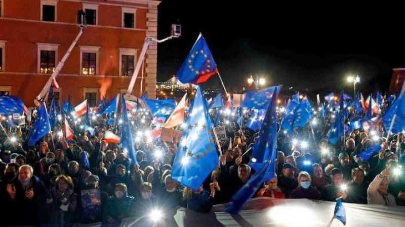 Frikë se pas Brexit do të pasojë Polexit, polakët protesta