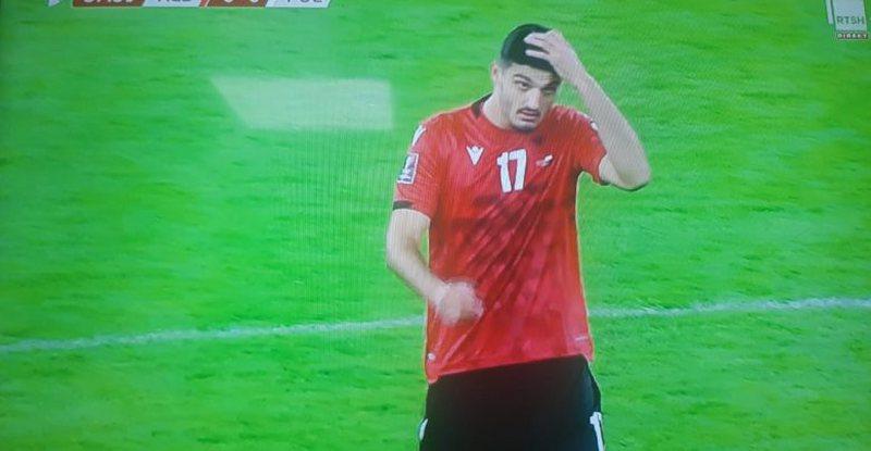 """Ankth dhe emocion në """"Air Albania"""", zbarkon në fushë"""