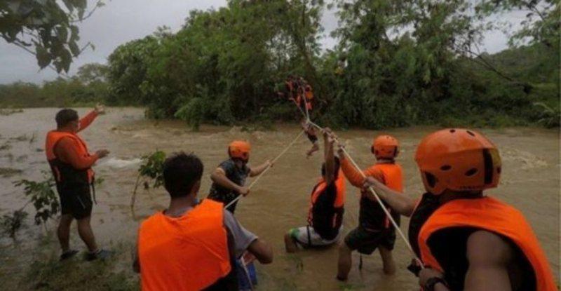 Tajfuni godet këtë shtet/ Rëndohet bilanci, 19 viktima dhe 14