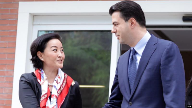Tensionet në PD/ Delegacioni i Kongresit Amerikan bashkë me Yuri Kim i