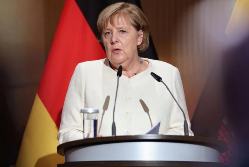 """""""Një brez, një rrugë""""/ Merkel del me MESAZHIN e"""