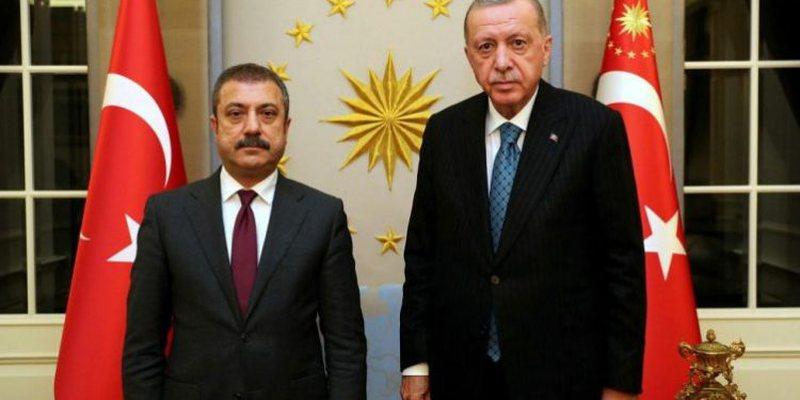 Presidenti Erdogan valë shkarkimesh, largon nga puna tre zyrtarë