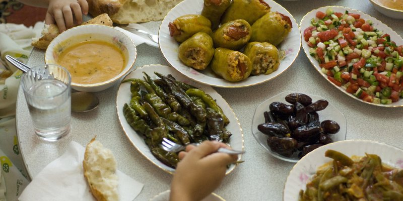 Holy Diet for the Month of Ramadan / Tips from Doctors Not to Be Missed: