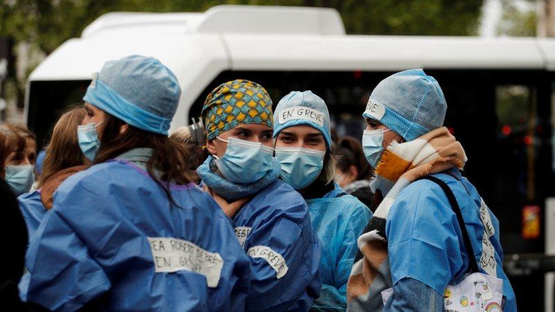 Franca pezullon 3 mijë punonjës të shëndetësisë
