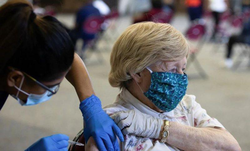 Vaksinimi i detyruar nxit imunizime dhe protesta të ashpra. Ja
