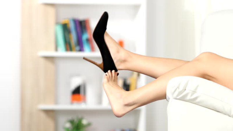 Pse duhet t'i hiqni këpucët sapo të ktheheni në