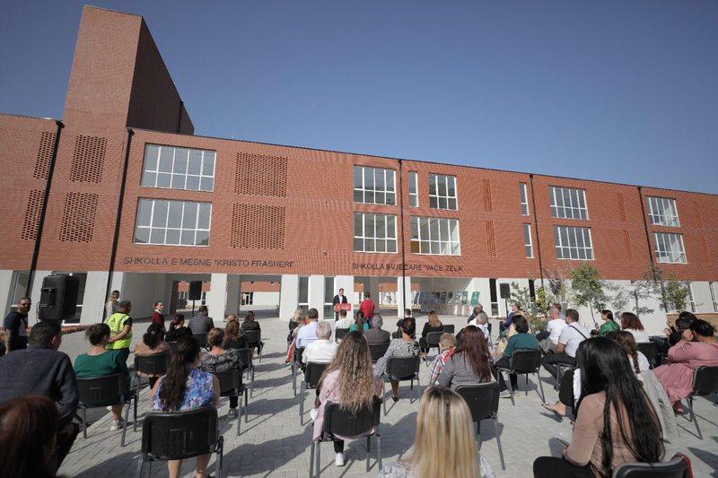 "Inaugurohen dy shkollat ""Vaçe Zela"" dhe ""Kristo"