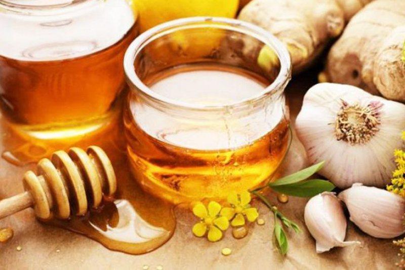Njihuni me kurë 5 ditore me mjaltë dhe hudhra, efektet e forta në