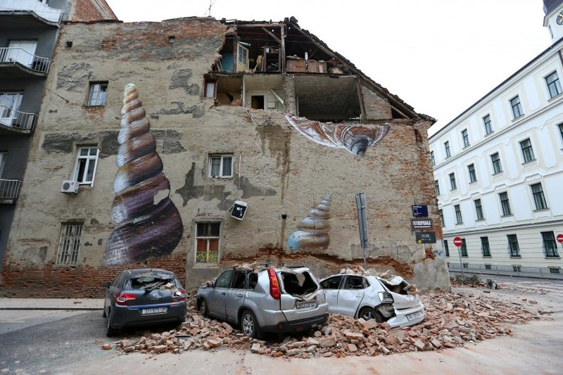 Chaos in Zagreb after the strong earthquake, citizens land on the streets,