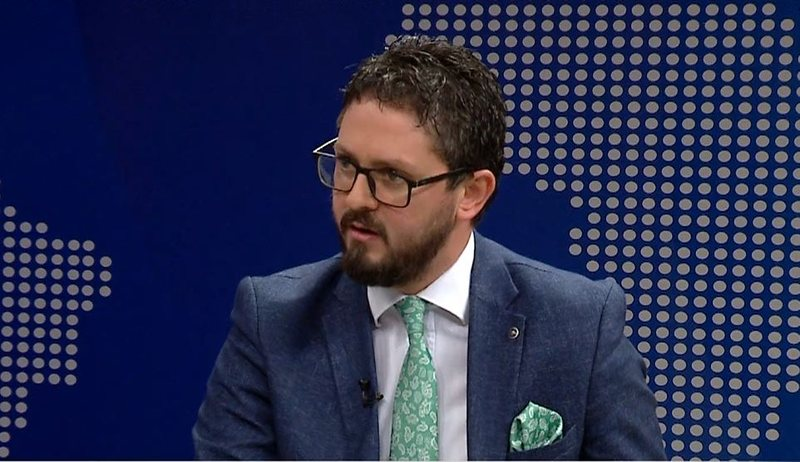 MP Andi Përmeti recounts the horror he went through after being infected  with Covid: If I had been treated in Albania, we would not have been able  to do this interview. Here