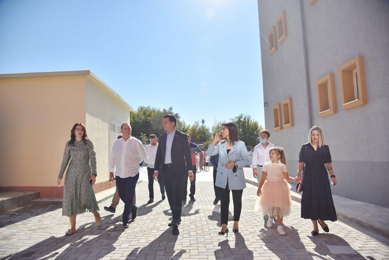"""Inaugurohet shkolla """"Feti Fanaj"""" në Petrelë, Veliaj:"""