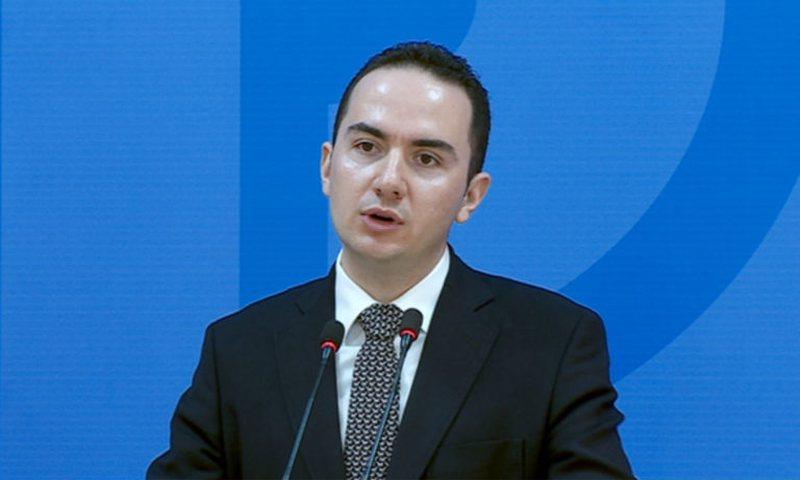 Përplasja Berisha-Basha / Paralajmëron Ervin Salianji: Do të