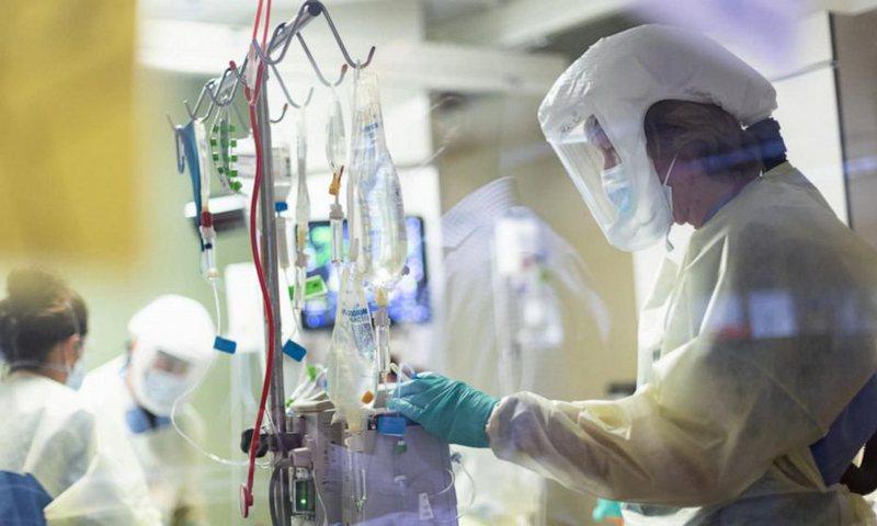 """""""Pandemitë nuk zgjasin më shumë se tre vjet"""", mjeku i"""